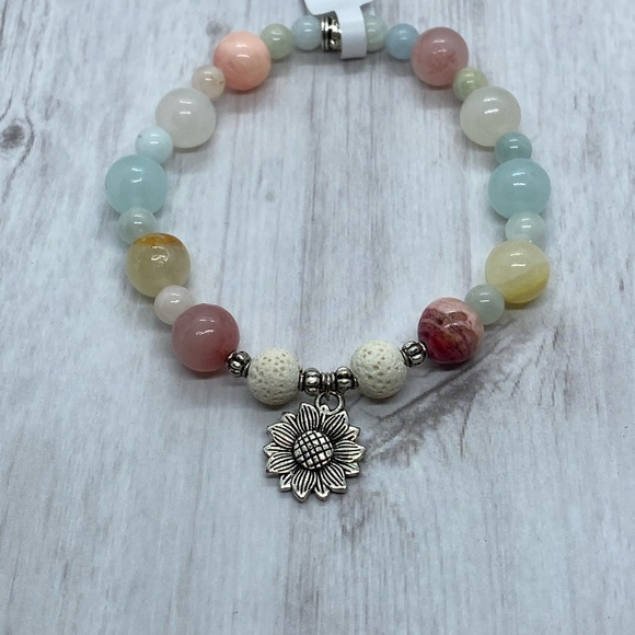 Hand Crafted Jewelry - Natural stone essential oil diffuser bracelet NWT.